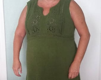 Knitted dress with lace pattern