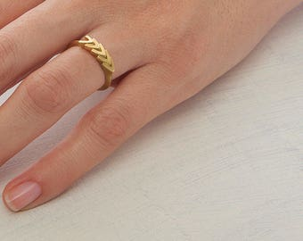 18K yellow gold Arrows ring | 14k gold unique wedding Ring, Wheat stacking ring, gold ring, unique wedding band statement ring