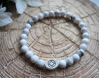 Recovery Sobriety Beaded Gemstone Bracelet - AA, NA, Alcoholics Anonymous, Narcotics Anonymous, White Howlite, Slide Bead