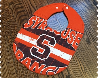 Syracuse Orange Baby Bib, Recycled T-Shirt Baby Bib, Syracuse New York, Syracuse University Sports, Sports Baby, Baby Shower Gift