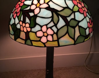 Tiffany Stlyle Apple Blossom Globe stained glass lamp