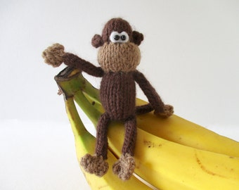 Pocket Monkey toy knitting pattern