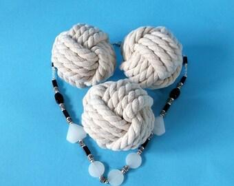 """Diamètre 3,8"""" ensemble de 15 Monkey fist nautique KnotsTable cartes Holder.rustic mariages marin parties gros noeuds coton corde blanc cassé"""