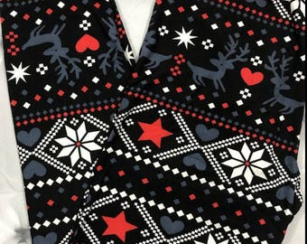 ONE Size Fits Sizes 2-12 Reindeer Heart Winter Leggings