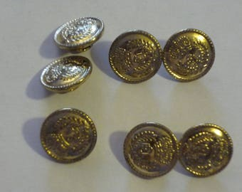 7 gold metal engraved 15 mm round button