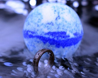 Night Magic Bath Bomb with Wood Ring