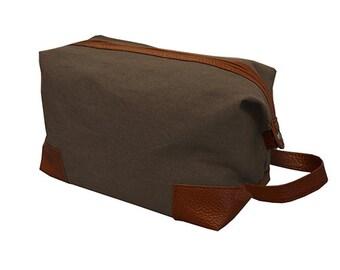 Toiletry Bag for men, Mocha, Personalized Toiletry Bag, Monogram Toiletry Bag,Mens Toiletry Dopp Bag, Gift for Men,Mens Gift, Shaving kit