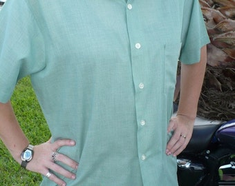 Vintage 1950s Atomic Grasshopper Green Martini Shirt Large by JeansVintageCloset