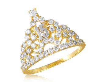 Beautiful gold crown princess ring for sweet 15 and quienceanera.