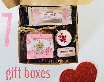 7 BRIDESMAID GIFT BOXES