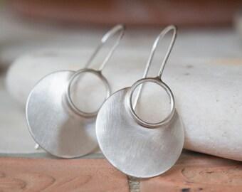 Dangle earrings, Sterling silver earrings, Silversmith earrings, Boho earrings, Circle earrings, Contemporary earring, Round earrings