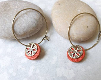 Coral leather, small hoop earrings, gold, shimmering colours flower round leather coral, graphic, Bohemian earrings, handmade
