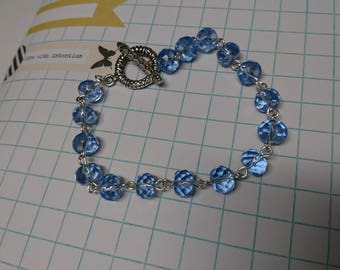 blue crystal bracelet - glass bead bracelet - czech glass -blue glass jewellery - toggle closure bacelet - tibetan silver