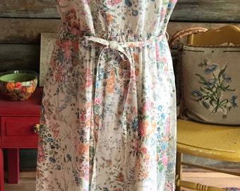 1970s Floral sundress with tie
