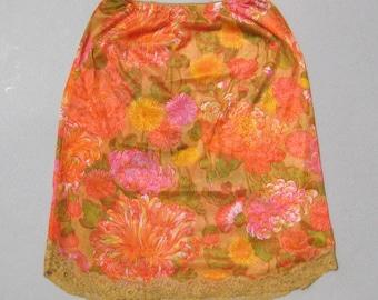 Floral Half Slip Size Small 1970s Vintage Vanity Fair Slip Orange & Pink Chrysanthemums Nylon Slip Lace Trim (B)