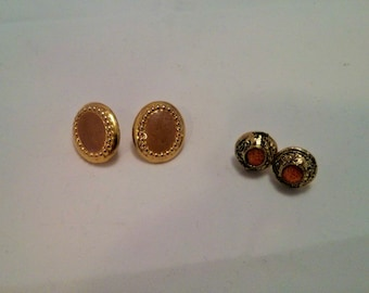 Vintage Collection - Lot of two Pairs of Gold color metal and enamel stud Earrings