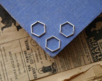 30 Silver Honeycomb Connector Charms Closed Hexagon Gold Jump Rings 17mm (SF3405)