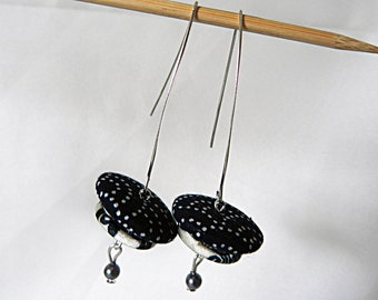 Earrings in Navy blue fabric and white
