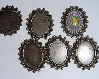 Supports for cabochon brooch