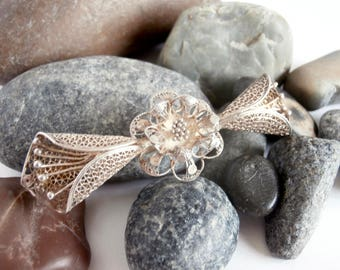Bow Brooch - Silver Brooch - Vintage Jewellery - Filigree Brooch