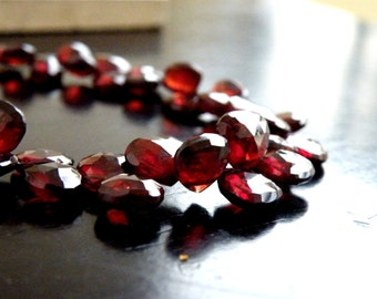 Mozambique Garnet Gemstone Briolette Faceted Heart 6.5 to 7mm 19 beads