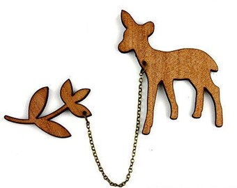 """Kit brooch """"Fawn and leaves"""" natural wood"""