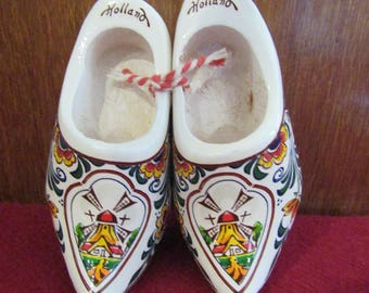 Small Painted wooden Shoes from Holland