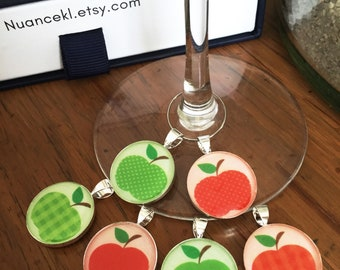 Glass identifiers/ Apple red and green/ cristal resin/ gift host & hostess/ 18 or 20 mm/ set of 6 charms/ storage box available