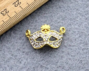 Gold plated mask pendant, mask necklace, mask accessories, mask jewelry, wholesale jewelry, mask pendant, necklace supplies, S263