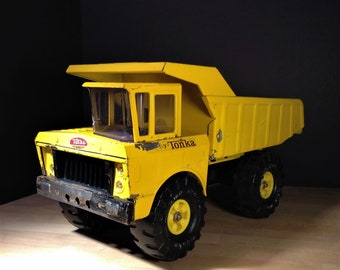 "Vintage Mighty Tonka Dump Truck 3900, 18 1/2""  Mighty Dump, XMB 975 Tires, 1970s Tonka USA Pressed Steel Metal Toy Trucks, Tonka Toys - NICE"