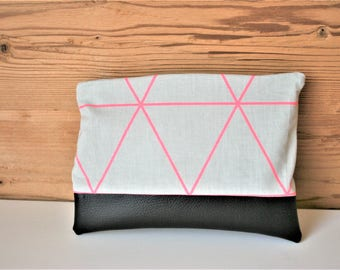 Cosmetic bag with geometrical pattern in coral/grey cosmetic bag