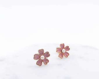 Sakura earrings; Sakura pierces; sakura; cherry blossom earrings; flower earrings; flower pierce; Japanese earrings