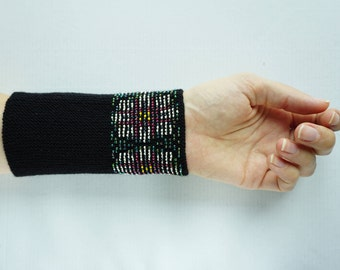 Black, white, green and pink beaded wrist warmers/ knitted wristlets with beads / woollen cuffs – ready to ship