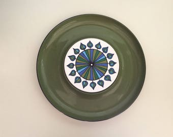 Retro Fun Serving Chips and Dip Tray with Ceramic Tile Center