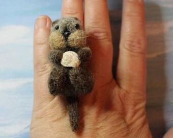 OOAK Handmade Needle Felted Otter Ring, Needle Felted Jewelry, Needle Felted Gift Idea, Needle Felted Animal, Otter Holding Sea Shell