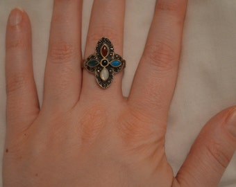 Medieval/middle ages style large wedding ring and vintage sparkly circles/rings bracelet
