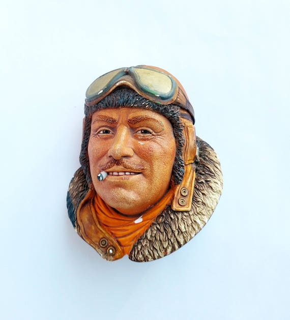 Vintage Plaster Wall Plaque Bust of 1917 British Royal Flying Core Pilot