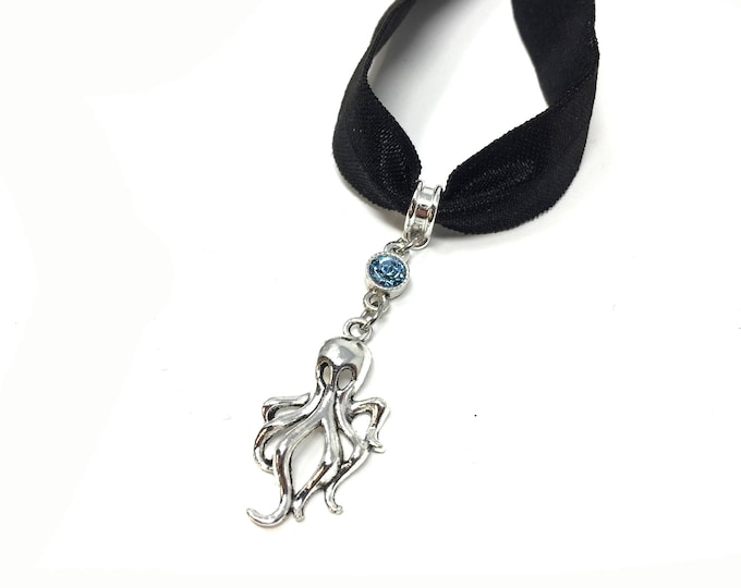 SQUID: black velvet elastic squid choker