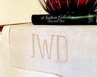 Monogrammed table runner, linen table runner, monogrammed gift, monogrammed home decor, bridal gift, wedding gift
