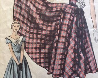 Advance 5639 Full Skirted Dress from 1950's