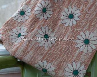 Woodland Daisies - Vintage Fabric  Juvenile New Old Stock 70s 60s
