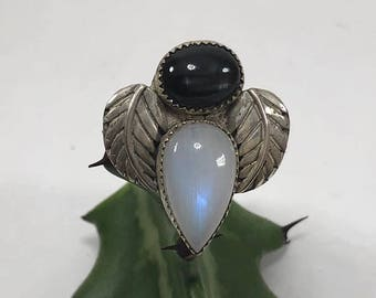 WIND GODDESS RING : Moonstone and Black Star Diopside Silver Ring