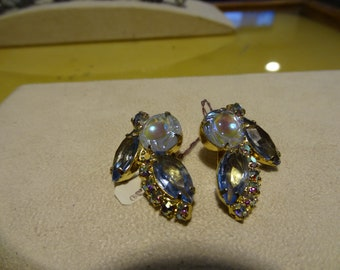Vintage 60's Juliana D&E clip earrings