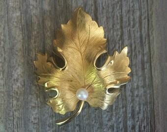 Vintage Gold, Leaf Pearl Brooch Pin