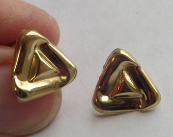 14K Glossy Yellow Gold Vintage Medium Sized Triangle Earrings, free US first class shipping