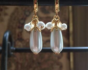 White Glass Faux Pearl Cluster Teardrop Earrings c.1660-1815 Baroque, Rococo, Regency