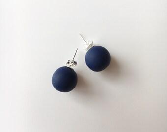 Navy Blue Stud Earrings, Round Earrings, Geometric Earrings, Chunky Earrings, Minimalist Earrings, Polymer Clay, Stud Earrings, Boho Studs