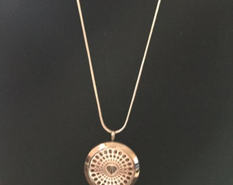 Heart style perfume diffuser necklace
