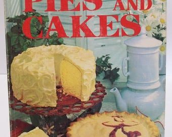 Vintage 1966 Better Homes and Gardens Pies and Cakes Baking Cookbook