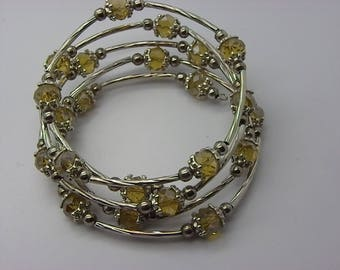 Wire Bracelet with beige Crystal beads